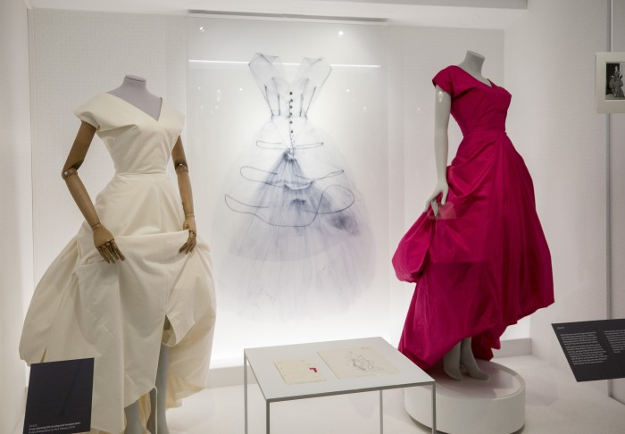 Balenciaga Shaping Fashion Exhibition View (c) Victoria and Albert Museum, London